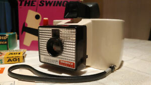 Polaroid Land Camera – The Swinger Model 20