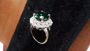 5.02 ct Emerald Ring