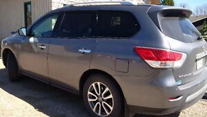 2015 Nissan Pathfinder SV SUV, Accident Free, Warranty Remaining