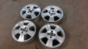 mag ford focus 16 pouce  4 trou pas pneu