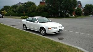 2001 Oldsmobile Alero Berline 2100$ NÉGO!!!