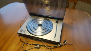 High end Bang&Olufsen Beogram turntable with newer mmc5 stylus