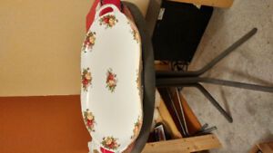 """Royal Doulton """"Old Country Rose"""" Pattern -"""