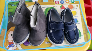 Shoes 5 and 6 sizes. Por toddlers