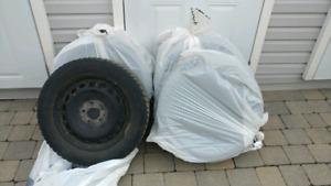 Pneus d'hiver General Altimax Artic 205/55/16 + roues Volkswagen
