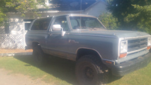 1988 Dodge Ramcharger le
