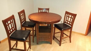 Table +4 chaises