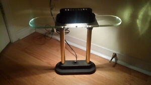 COOL desk or table lamp that's dimmable
