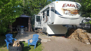 2012 JAYCO EAGLE 32.1 RLTS Fifth Wheel ( Three Slides)