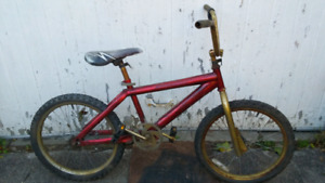 RED BMX FOR PARTS OR RESTORE