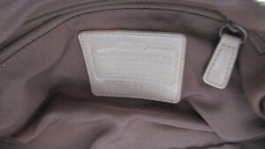 Coach purse- canvas with long strap- very clean West Island Greater Montréal image 4