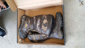 IRISH SETTLER HUNTING BOOTS - - USED ONLY A FEW TIMES