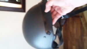 Two motorcycle helmets. Excellent condition Windsor Region Ontario image 7