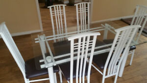 Modern Contemporary Dining set with 6 chairs & glass tabletop