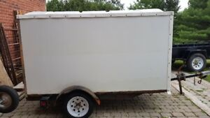 Closed Snowbear Trailer Very Good Condition