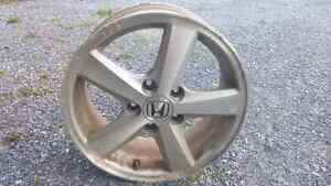 4, 16 inch alloy rims.  From 2003 Honda accord