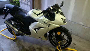 2011 Kawasaki Ninja 250R Cambridge Kitchener Area image 1