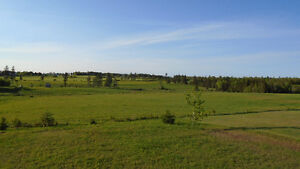 5 minutes from Charlottetown, 3 bedroom with gorgeous view