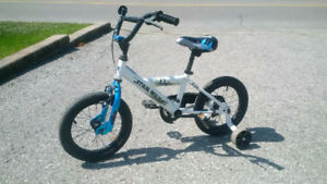 Boys Star Wars Bike with Training Wheels - 12""