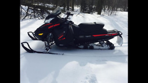 2016 Skidoo MXZ TNT 900 ACE and Enclosed Trailer