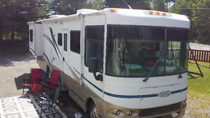 2004  33ft Class A Motor home reduced & available to view