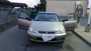 2000 Honda Civic SE Sedan $600 Selling Asap