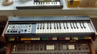 Vintage Synth Roland SH-2000