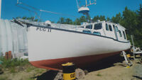 FOR SALE 38' CAPE ISLAND BOAT WITH MITSUBISHI DIESEL ENGINE