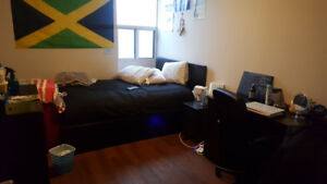 1 Available Room in 3 Bedroom Apartment Park Victoria