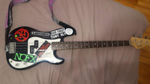 """Basse """"Squier Affinity Precision Bass"""" style punk"""