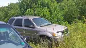 2 2001 4X4 ford Escapes for sale