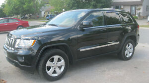LAREDO - LEATHER/PANORAMIC ROOF/TRAILER HITCH