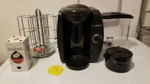 TASSIMO Single Serve Beverage System + T-Disc holder