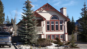 258 Lady MacDoanld Dr, Canmore