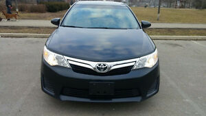2013 Toyota Camry le its mint  nav/blue tooth only 136,190km