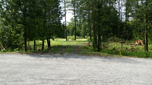 Beautiful 1 acre country lot