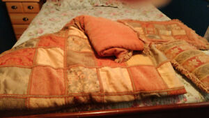 Beautiful country patchwork bedroom bedspread set