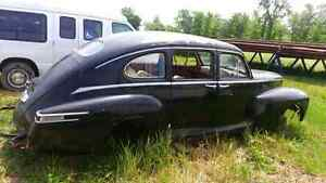 MINT 1947 LINCOLN ZEPHYR BODY WITH INTERIOR London Ontario image 1