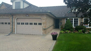 Executive townhouse in central st. catharines