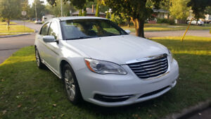 2012 Chrysler 200-Series Sedan very clean, no rust