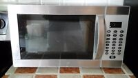 Microwave oven Danby design