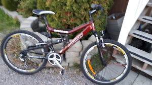 Bicycle de Montagne, Infinity Invader, 2 suspensions, roues 26""