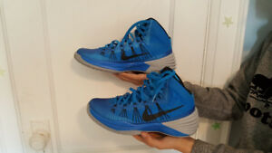 Size 9.5 NIKE HYPERDUNK Photo Blue shoes...Like New...$75