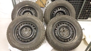 195/65/15 winter tires with rims 5×114.3 fits/acura/honda/toyota
