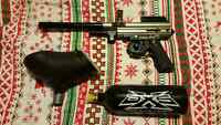 SPYDER 2000 PAINT GUN AND 20oz TANK NEW CONDITION***