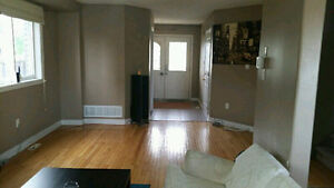 5 bedroom, 2.5 bath House for Rent