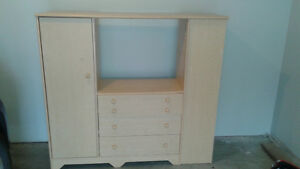 TV Entertainment Unit/ with drawers and shelves