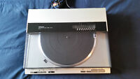 A vendre table tournante Technics SL-DL1...