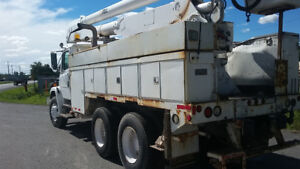 2001 Freightliner bucket truck 60ft Altec F755L camion nacelle