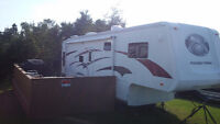 For sale 2005 Paradise Point Fifth wheel travel trailer